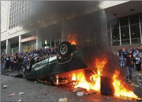 Burning car falsely presented as Trayvon Martin riot